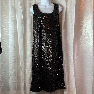 Sleevless holiday black midi sequin dress
